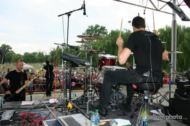photo-band-Thousand-Foot-Krutch-move-scream-2012