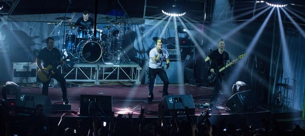 photo-live-concert-thousand-foot-krutch-in-kiev-6-12-2012