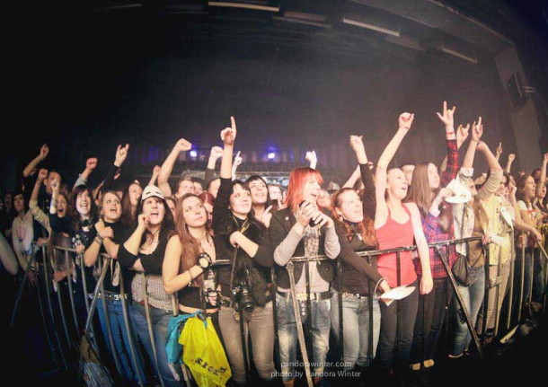 photo-live-thousand-foot-krutch-in-kiev-6-12-2012