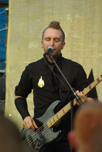 photo-Joel-Bruyere-bass-Thousand-Foot-Krutch-scream