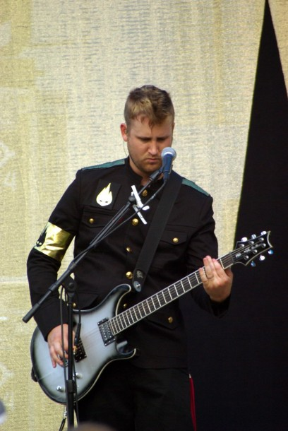 photo-Nick-Baumhardt-guitar-Thousand-Foot-Krutch-2010
