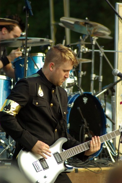 photo-Nick-Baumhardt-TFK-guitar-Thousand-Foot-Krutch-phenomenon-2007
