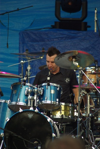 photo-Steve-Augustine-drums-Thousand-Foot-Krutch