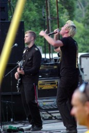 photo-Thousand-Foot-Krutch-rock-band-Trevor-McNevan