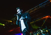 photo-Trevor-McNevan-thousand-foot-krutch-v-moscow-live-2012