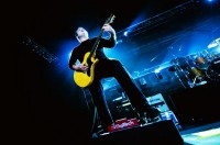 photo-guitar-Andrew-Welch-thousand-foot-krutch-in-moscow-live-2012