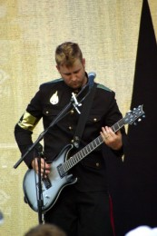 photo-Nick-Baumhardt-guitarist-Thousand-Foot-Krutch-war-2007